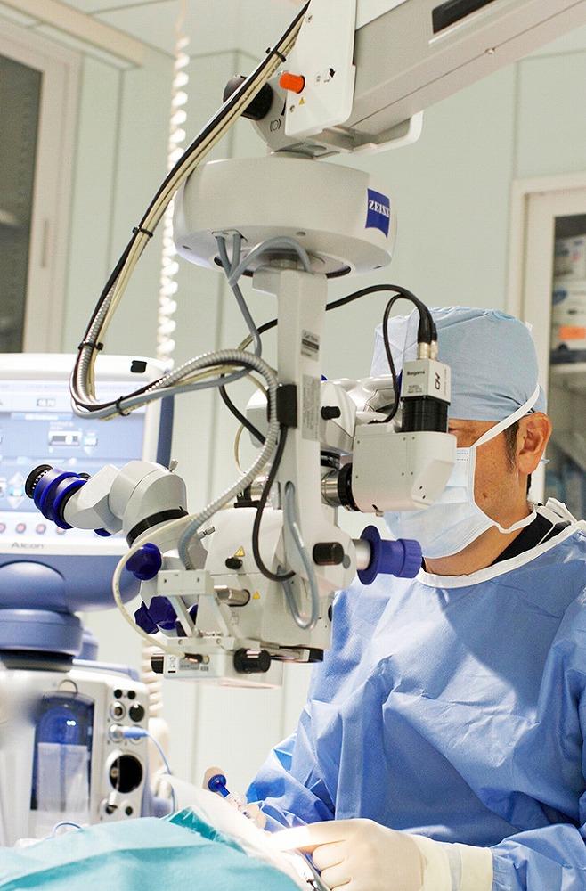手術用顕微鏡(ルメラ)
