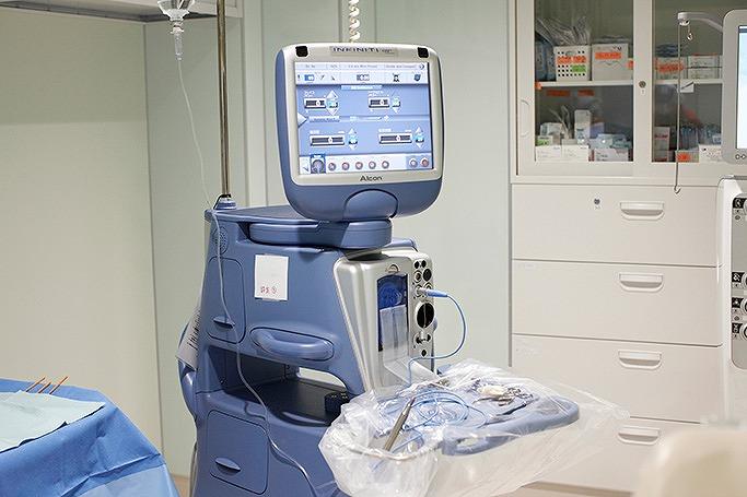 白内障手術装置(インフィニティ)